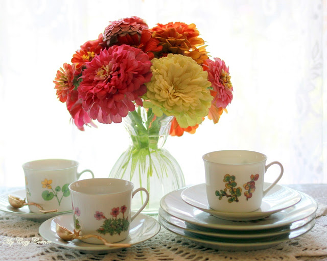Zinnia Tea Time | My Cozy Corner