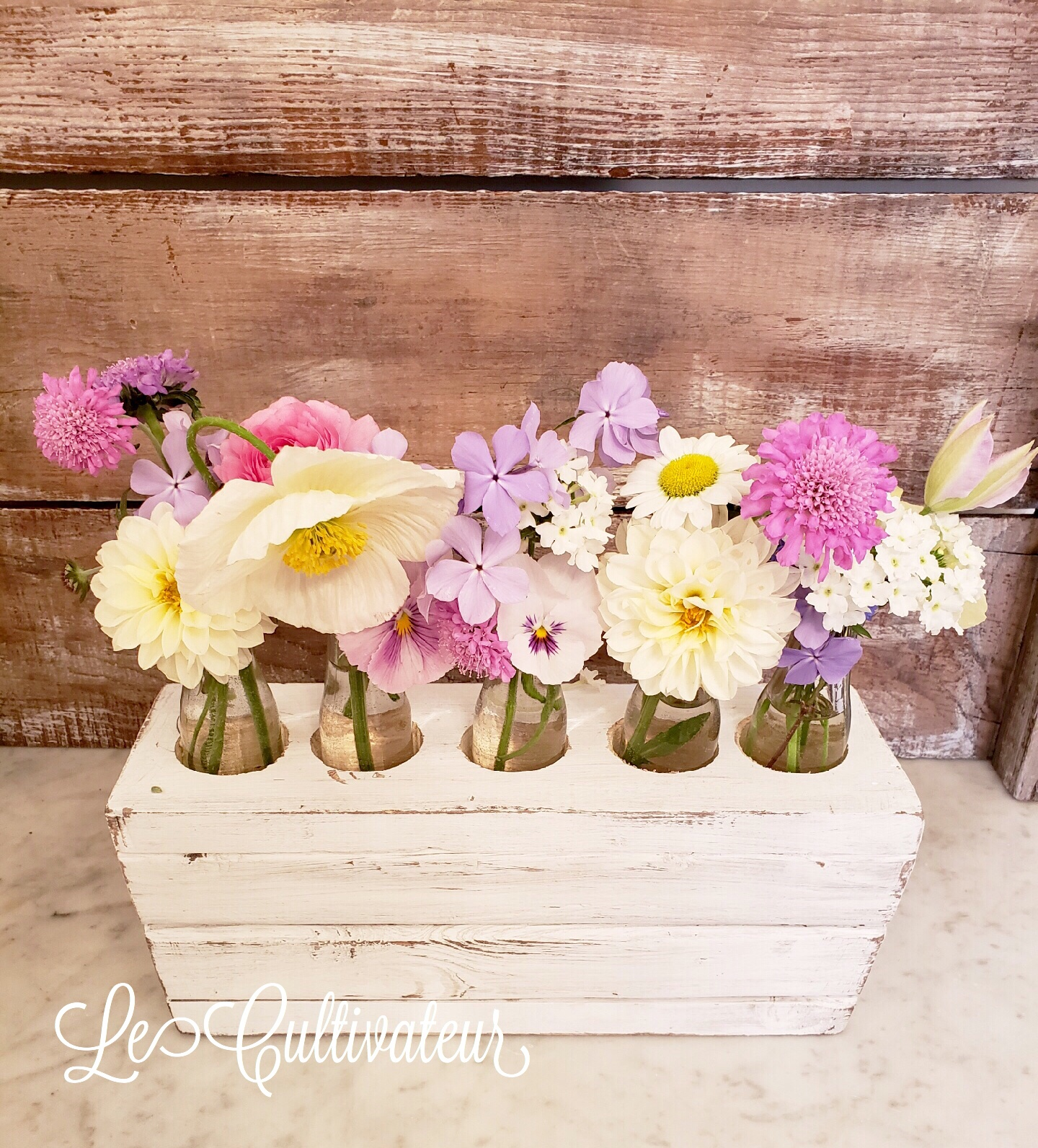 DIY Wooden Bud Vase Holder | Le Cultivateur